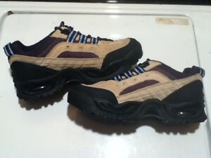 Men's WindRiver Hiking Shoes Size 7 London Ontario image 6
