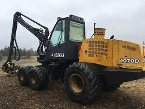 1070 D John Deere Harvester with 754 Waratah head and tracks