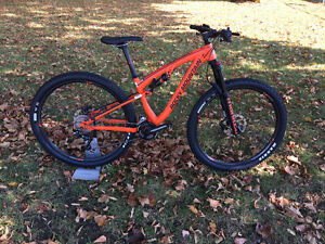 "Rocky Mountain Instinct 930, Trail bike 29"", Small et Medium."