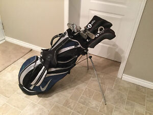 Sac de golf Nike et bâtons