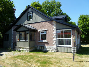 BEAUTIFUL 2 BEDROOM HOUSE WITH LAKE VIEWS IN BOBCAYGEON