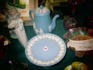 wedgewood teapot and compost