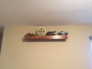Shelf with Wall Hanging Clips