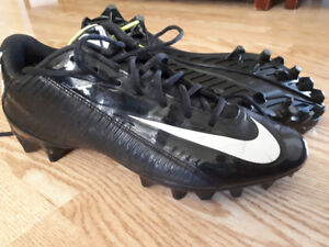 Adult football / Soccer cleats