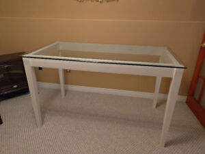 Counter top high Table with glass top