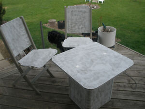 3-pc Wooden Table and Retro Chair Set London Ontario image 2