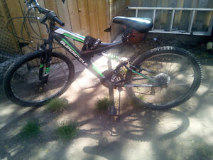 Super cycle! Great condition, perfect for 12 yr old!