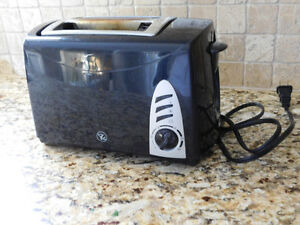 2 Slice PC Black Toaster