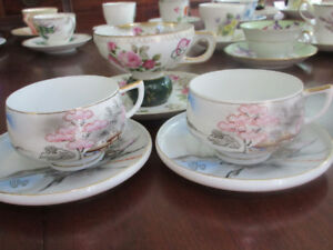 3 Beautiful Japanese cups and saucers - fine porcelain