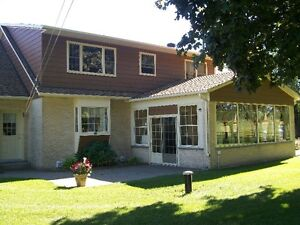 BEAUTIFULL RANCH STYLE HOME OVERLOOKING ALEXANDRIA Cornwall Ontario image 2