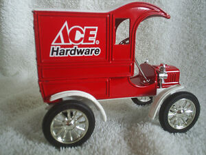 Collectable Antique – Ace Hardware Die Cast 1905 Ford Sarnia Sarnia Area image 3