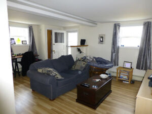 Sunny  1-bdrm flat on Connaught Ave
