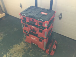 Milwaukee PACKOUT W/ Drill / Driver Impact Kit with free Battery