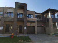 3 Bed, 2.5 Bath Townhouse in Oakville for Rent