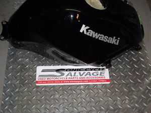 2009-2012 kawasaki 250 ninja gas tank brand new London Ontario image 2