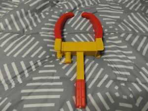 Wheel locking device,wheel boot
