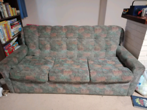 Three seater fold-out couch/sofa