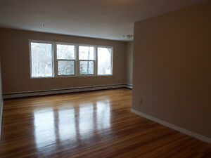 Spacious 2 Bedroom Units Corner of Oxford/South Street