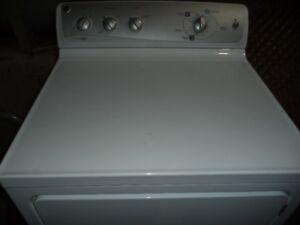GE DRYER 8.0CU.FT 3YRS OLD IN MINT CONDITION CAN DELIVER