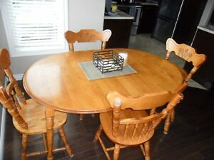 Solid wood  dining set London Ontario image 3
