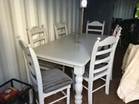 6 CHAIRS & DINNING TABLE