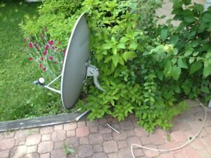3 ft Satelite Dish with LNB and Cable