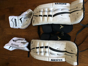 Junior Vaugh goalie pad set