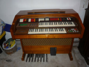 For Sale - Electric Organ