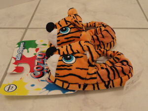 NEW!  --  COZY CRITTERS LITTLE GIRL'S ANIMAL SLIPPERS