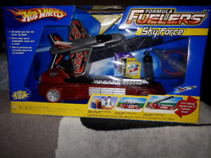 Brand new hot wheels formula fuelers skyforce