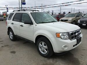 2010 FORD ESCAPE XLT * LEATHER * POWER GROUP * EXTRA CLEAN London Ontario image 8