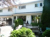 FANTASTIC 3 BDRM TOWNHOUSE IN SW CALGARY