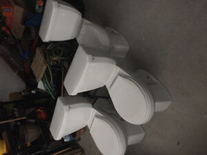 Three Nearly New Toilets for Sale. 3 for $115 OR $40 each.