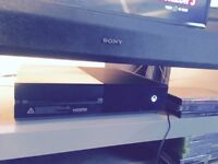 Xbox one + 4games + 2controllers