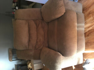Recliner chair and loveseat