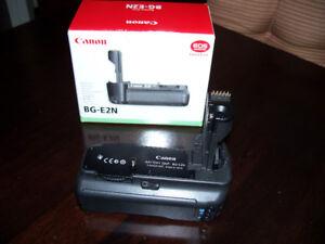 Genuine Canon BG-E2N Battery Grip for Canon EOS 20D/30D/40D/50D