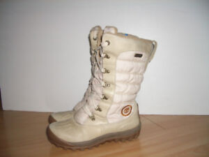 """"" TIMBERLAND """"  bottes d'hiver  -- size 6.5 US"
