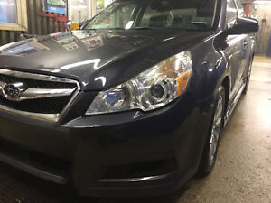 2011 Subaru Legacy 3.6 R (limited) Sedan LeatherSunroof,Safetied