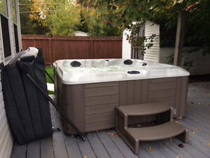 Hot Tub- Excellent Condition