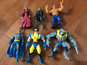 ABOUT 100 LOOSE SUPERHERO ACTION FIGURES, 7 VEHICLES