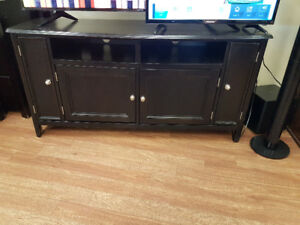 Ashley Carlyle Large Tv Stand