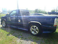 1999 Chevrolet Silverado 1500 Pickup Truck/OPEN TO OFFERS///