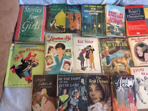 A lot of books for sale (39)