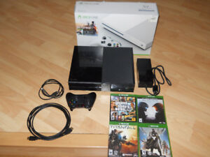 Xbox One with one controller and 4 good games.