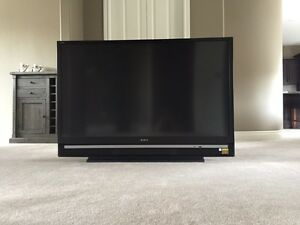 Sony 60 inch LCD Rear Projection TV 1080P