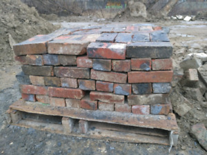 200 Clean Reclaimed Bricks