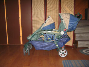 Carrosse double, marque Jeep Wagonneer, pliable