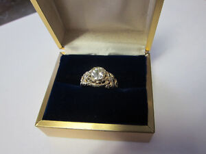 Stunning One of a Kind Ladies Diamond Solitaire!