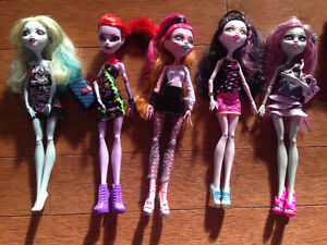 Lot de Monster High et maquillage