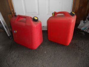bidon d'essence 5 gallons comme neuf